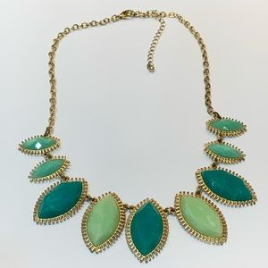 💐5/25 green acrylic bold statement necklace